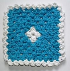 Use old or damaged t-shirts to crochet a thick trivet for the kitchen. This trivet crochet pattern includes a tutorial for making the t-shirt yarn.