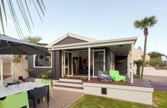 Tracy revives a kiwi icon | Habitat by Resene Aluminium Joinery, Timber Walls, Acoustic Panels, Black Kitchens, House Colors, Kiwi, Habitats, The Neighbourhood, Exterior