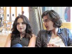 'Victorious' Cast Flash Mob -- Avan Jogia & Elizabeth Gillies - YouTube