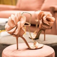 hochzeitsschuhe pumps 2019 Sandalias Mujer SS New Oversize Flower Back Ankle Strap Sandals Stiletto High Heels Pink Black Satin Party Shoes Woman Bridal Shoes, Wedding Shoes, Bridal Gown, Wedding Bride, Floral High Heels, Floral Sandals, Shoe Boots, Shoes Heels, Heeled Sandals