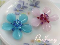 Flower Motif with seed beads, crystals & petal beads. #Seed #Bead #Tutorial