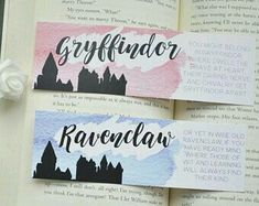 Gryffindor Ravenclaw marque-page harry potter 8 Marque Page Harry Potter, Cadeau Harry Potter, Harry Potter Bricolage, Harry Potter Thema, Harry Potter Bookmark, Theme Harry Potter, Anniversaire Harry Potter, Harry Potter Diy, Harry Potter Memes