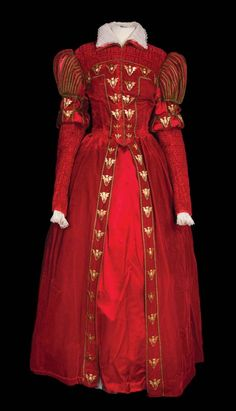 Katharine Hepburn red period gown designed by Walter Plunkett from Mary of Scotland. (RKO, 1936)