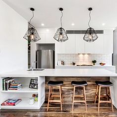 Today's regram stolen from @weekspickwithpaula In love with this kitchen! The black details complete this look! ✔️ Apaixonada por essa cozinha. Os detalhes em preto completam perfeito esse ambiente!  #wpwp_kitchen #weespickwithpaula #inustrial_interior #industrial #interior #home #decor