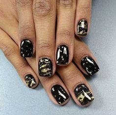 black and gold Pretty Nail Designs, Pretty Nail Art, Pretty Hair, Great Nails, Simple Nails, Multicolored Nails, Galaxy Nail Art, Japanese Nail Art, Metallic Nails