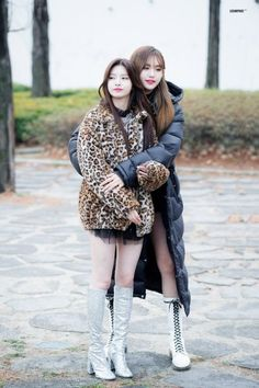 fyeah-everglow - Nayeon Bias Wrecker The Effective Pictures We Offer You About outfits A quality picture can tell y - Kpop Girl Groups, Korean Girl Groups, Kpop Girls, Kpop Fashion, Girl Fashion, Fashion Outfits, Womens Fashion, Asian Woman, Asian Girl