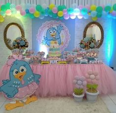 Festa super fofa com o tema Galinha Pintadinha Rosa . By:  @dream_party8 8th Birthday, 1st Birthday Parties, Birthday Cake, Lottie Dottie, Dream Party, Birthday Decorations, First Birthdays, Party Time, Alice