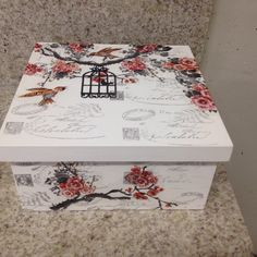 #caixa em Mdf - claudiaalbuquerque11 Decoupage Box, Decoupage Vintage, Altered Cigar Boxes, Wood Craft Patterns, Diy Gift Box, Tea Box, Pretty Box, Vintage Scrapbook, Vintage Box