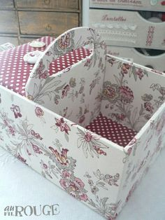basket from cardboard - love it Diy Cardboard Furniture, Cardboard Crafts, Fabric Crafts, Paper Crafts, Diy Arts And Crafts, Diy Craft Projects, Crafts To Make, Sewing Projects, Carton Diy