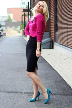 Knitting: Selected / Skirt: Zara / Necklace: Zara / Shoes: China Girl
