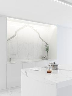 Laminated stoneware wall/floor tiles with marble effect XLIGHT PREMIUM - URBATEK