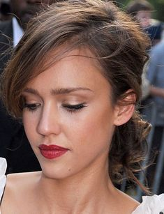 """ Love this makeup look ""Jessica Alba"