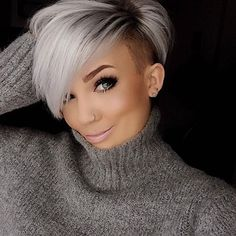50 Besten Pixie Cut Stylen Pixie cut styles refer to the short category, but it also has many other variations. Short Grey Hair, Short Hair Cuts For Women, Short Hairstyles For Women, Straight Hairstyles, Short Hair Styles, Long Hair, Undercut Hairstyles, Pixie Hairstyles, Hair Undercut