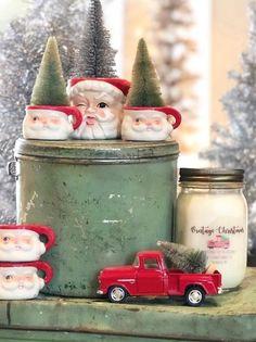 25 Days Of Christmas Music Day 18 - Vintage Christmas 2019 cookies food Diy Christmas Lights, 25 Days Of Christmas, Christmas Music, Retro Christmas, Vintage Holiday, Winter Christmas, Christmas Wreaths, Christmas Crafts, Christmas Ideas
