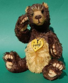 Fudge is one of a kind and the latest bear to be added to my Paws the Moment Collection'. These bears are a hybrid between a traditional teddy