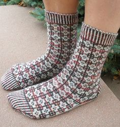 Ravelry: FinEst Socks pattern by Tiina Kuu ~ FREE pattern Wool Socks, Knitting Socks, Knitting Projects, Knitting Patterns, Slipper Socks, Slippers, Mittens Pattern, Designer Socks, Free Pattern
