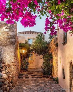 Plan your trip. Mykonos, Santorini, Wonderful Places, Beautiful Places, Amazing Places, Monemvasia Greece, Porches, Nature Photography, Travel Photography