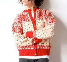 Scandi wool cardigan from Sundt (an iconic department store in Bergen, Norway, founded in Norwegian Knitting, Wool Sweaters, Wool Cardigan, Fair Isle Pattern, Sweater Making, Hippie Boho, Baby Knitting, Preppy, Knitwear