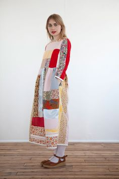 LOVE this dress, never thought of patchworking for clothing but it makes so much sense now. I've got lots of bits of fabric to do this with. Cozy Fashion, Girl Fashion, Fashion Design, Upcycling Fashion, Make Your Own Clothes, Patchwork Dress, Moonchild, Mori Girl, Cycling Outfit