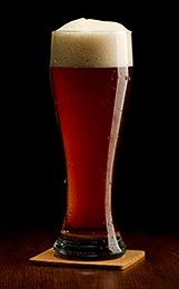 This Munich dunkel lager recipe produces a malt-forward beer with a balance of noble hops. It's easy to brew, and it's award-winning! Brewing Recipes, Homebrew Recipes, Beer Recipes, Beer Brewing Process, Home Brewing Beer, Make Beer At Home, How To Make Beer, Ale Recipe, All Grain Brewing