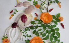 Vegetable painting by Ukrainian food artist Tamara Bondar L'art Du Fruit, Fruit Art, Art Du Pain, Fruits Decoration, Vegetable Painting, Veggie Art, Bread Art, Food Artists, Food Carving
