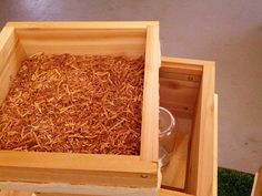 How to Feed a Warre Beehive - Bee Feeding | Bee Thinking