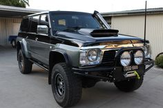 Lift, chrome, scoop, tint, what's it look like inside? Patrol Y61, Nissan Patrol, Off Road Truck Accessories, Best 4x4 Cars, Nissan 4x4, Hummer H1, Ford Maverick, Future Car, Rigs