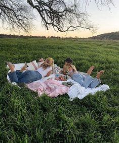 sweet summertime 🦋 spotify: on We Heart It Shotting Photo, Summer Goals, Summer Bucket Lists, Summer Fun List, Foto Pose, Best Friend Pictures, Friend Pics, Summer Aesthetic, Aesthetic Pics