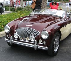 Austin-Healey 100/4 BN1 ===> https://de.pinterest.com/graham1463/sportscars-from-around-the-world/
