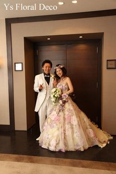 3月にフォレスターナ軽井沢さんで挙式ご披露宴のおふたりより、当日のお写真をいただきましたので、ご紹介します。お色直し用の紫系の花柄のドレスにあわせる花冠を...