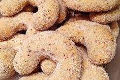 Walnut Cookies by Calories In Vegetables, German Baking, Walnut Cookies, Christmas Dishes, Healthy Cookies, Oatmeal Cookies, Nutella, Love Food, Cookie Recipes