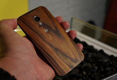 #Motorola will launch a new variant of #MotoX - The Moto X Wood. http://cuttinglet.com/moto-x-wood-new-version-of-moto-x/