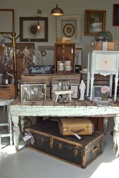 vintage goodies - antique shop, great table