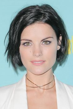 Check out these 6 images of Best Jaimie Alexander Short Hairstyles (Pixie, Bob, Classic & Edgy Hair). Find more images in brunette hairstyles,pixie cut,short hairstyles. Jaimie Alexander, Jamie Alexander Hair, Pixie Bob Cut, Pixie Bob Haircut, Celebrity Hairstyles, Bob Hairstyles, Chin Length Hair, Bob Haircuts For Women, Edgy Hair