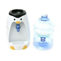 Ecco un'idea davvero divertente, per bere un po' d'acqua quando ne avrete voglia, con questo comodo mini dispenser pinguino!  http://www.scegli-e-compra.com/gadget-elettronici-usb/1548-mini-dispenser-acqua-da-scrivania-pinguino.html#.UVFmn0E0fis