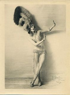 "1920s ""An Evening in Paris"" fashion inspiration"