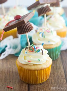 Mortarboard decorated cupcakes, graduates!