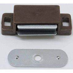 Ultra Hardware 13500 Plastic Magnetic Catch, Brown