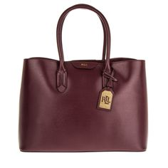 Trend Runway Berry - Beerentöne Herbst / Winter 2016 - 2017  #bags #fashiontrends #fashionista #fashionblogger #fashionable #fashion #fashion2016 #newin #prada  #guess   #kenzo  #lovemoschino #michaelkors   #coach  #armani #autumn