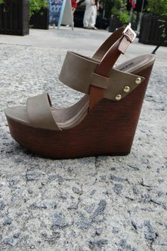 Two Tone Summer Soles Wedge Sandal - Stone