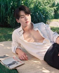 Image uploaded by Sephoxx. Find images and videos about bts, edit and jeon jungkook on We Heart It - the app to get lost in what you love. Jungkook Abs, Jungkook Sleep, Foto Jungkook, Jungkook Fanart, Foto Bts, Taehyung, Namjin, Jikook, V Bts Wallpaper