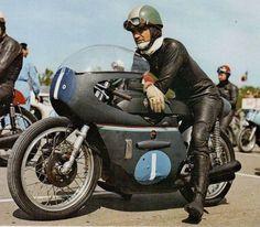 Tarquinio Provini on the 350 cc Benelli 4 cylinder