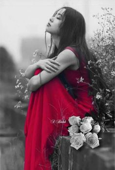 black and white photography with red color splash Black And White Pictures, Black And White Colour, Red Color, Color Pop, Splash Photography, Black And White Photography, Color Splash, Shades Of Red, My Favorite Color