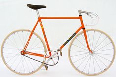 Fixed Gear (Eddy Merckx frame) Fixed Gear Bikes, Fixed Bike, Velo Vintage, Vintage Bicycles, Road Bikes, Cycling Bikes, Road Cycling, Retro Bicycle, Track Bicycle