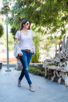 Fall Fashion Essentials, Laura Lily Fashion Travel and Lifestyle Blog, Express knit cardigan, Express Jeggings, Vince Camuto Booties,