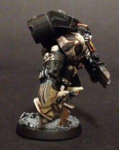 Mortifactors Vanguard Veteran w/ lightning claws.