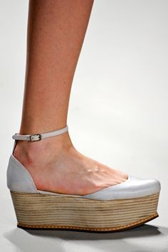 Check Out Next Spring's Hottest Shoe Trend: FLATFORMS!