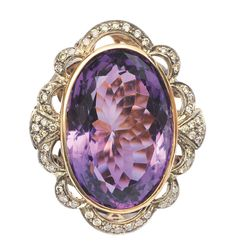 A splendid amethyst diamond ring    18 ct. yellow gold with silver. Victorian or Victorian style