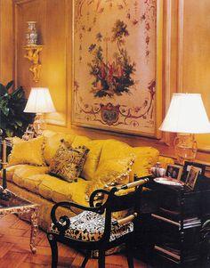 Beautiful yellow sofa for living room decor ideas 00025 Formal Living Rooms, Living Room Sofa, Living Room Decor, Yellow Interior, Best Interior, Luxury Interior, Chinoiserie, Classical Interior Design, Yellow Sofa
