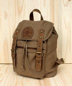 Mini Backpack Tabaco - Morral Clásico. $110.000 COP (Envío gratis). Cómpralo aquí--> https://www.dekosas.com/productos/morrales-qualibet-mini-backpack-tabaco-detalle